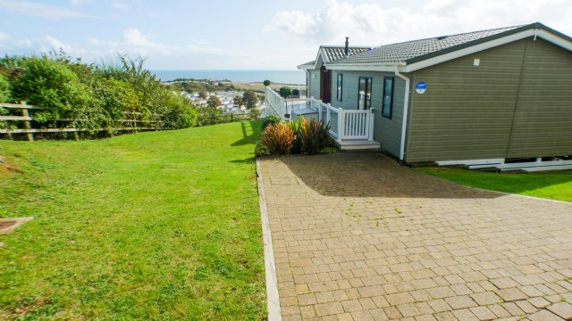 KW1 - Exterior Parking Area
