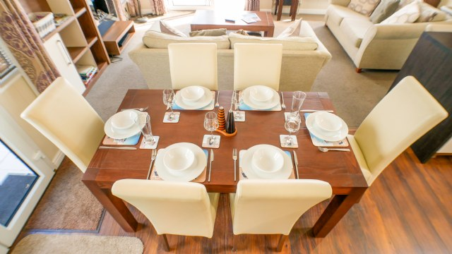 KW1 - Dining Area