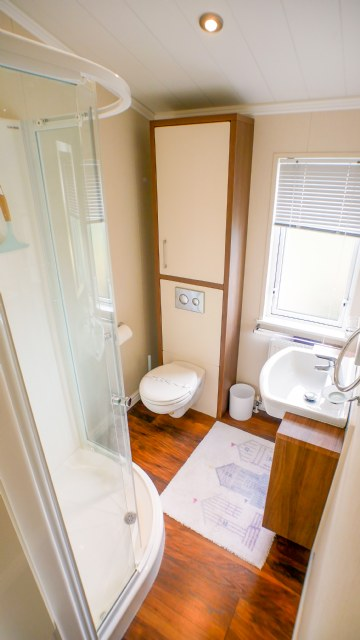 KW1 - Master Bedroom Ensuite
