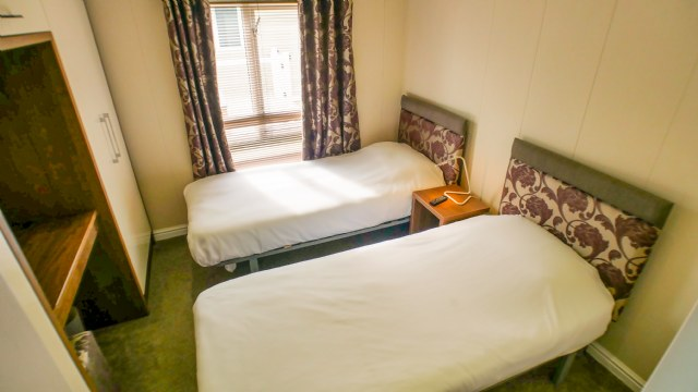 KW1 - 2nd Twin Bedroom