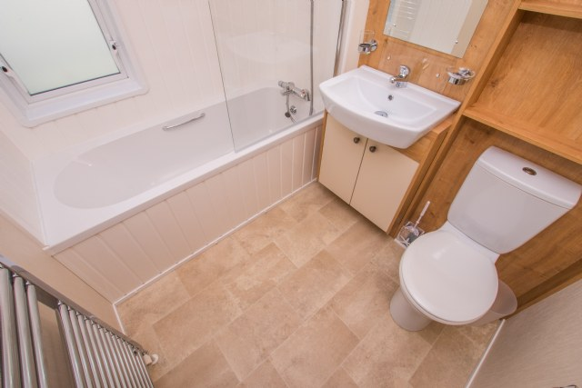 KW5 - Family Bathroom