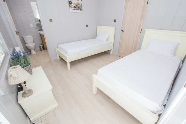 OH7 - Twin Bedroom with Ensuite