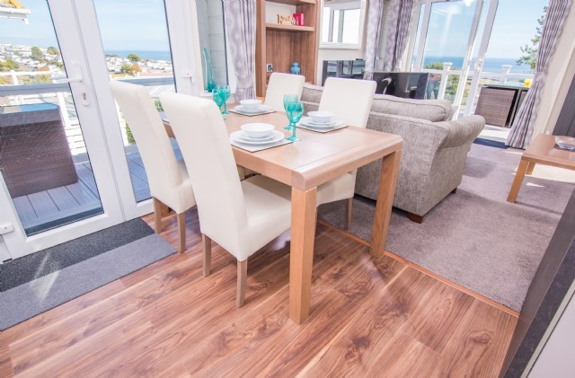 TT26 - Dining Area with Views